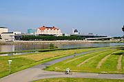Elbe, Erlweinspeicher (Maritim Kongress Hotel Dresden), Landtag, Kongresszentrum, Yenidze,  Dresden, Sachsen, Deutschland.|.river Elbe, Erlweinspeicher (Maritim Kongress Hotel Dresden), Landtag, congress center, Yenidze, Dresden, Germany