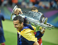 FUSSBALL  CHAMPIONS LEAGUE  FINALE  SAISON 2014/2015  06.06.2015 Juventus Turin - FC Barcelona JUBEL CHL Sieger 2015  FC Barcelona: Pedro Rodriguez mit Pokal