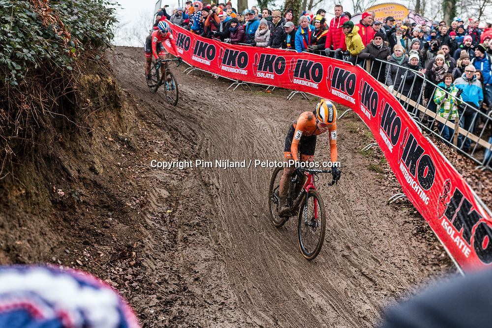 Ceylin DEL CARMEN ALVARADO of the Netherlands descending during the Women Under 23 race, UCI Cyclo-cross World Championships at Valkenburg, the Netherlands, 3 February 2018. Photo by Pim Nijland / PelotonPhotos.com | All photos usage must carry mandatory copyright credit (Peloton Photos | Pim Nijland)