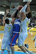 DESCRIZIONE : Verona Lega Basket A2 2011-12 Amichevole Tezenis Verona Enel Brindisi <br /> GIOCATORE : mitchell poletti<br /> CATEGORIA : tiro<br /> SQUADRA : Tezenis Verona Enel Brindisi<br /> EVENTO : Campionato Lega A2 2011-2012<br /> GARA : Tezenis Verona Enel Brindisi<br /> DATA : 11/12/2011<br /> SPORT : Pallacanestro <br /> AUTORE : Agenzia Ciamillo-Castoria/M.Gregolin<br /> Galleria : Lega Basket A2 2011-2012 <br /> Fotonotizia : Verona Lega Basket A2 2011-12 Amichevole Tezenis Verona Enel Brindisi<br /> Predefinita :