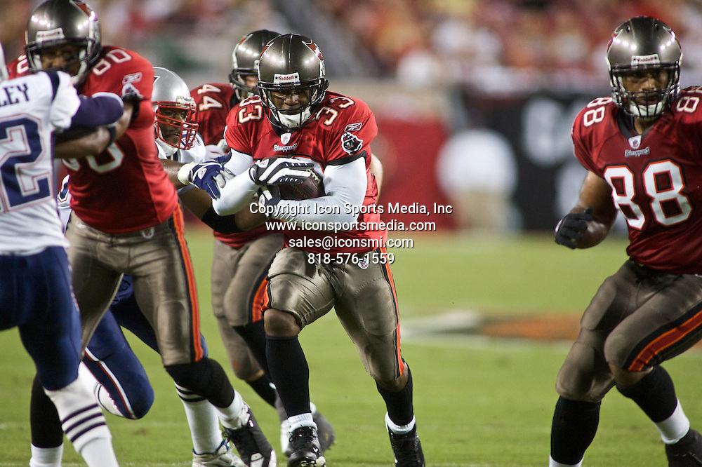17 AUGUST 2008: Tampa Bay Buccaneers running back Kenneth Darby (33) during the Patriots' 27-10 preseason loss to the Buccaneers at Raymond James Stadium in Tampa, FL.