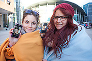 Aida and Celia, two fans waiting since one week for the concert of Justin Bieber at the Palacio de los deportes in Madrid