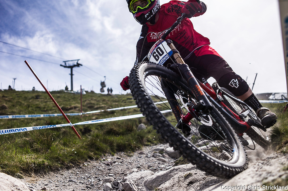 Nevis Range, Fort William, Scotland, UK. 3rd June 2016. Fraser McGlone of Norco Factory Racing leans into a corner. The worlds leading mountain bikers descend on Fort William for the UCI World Cup on Nevis Range.