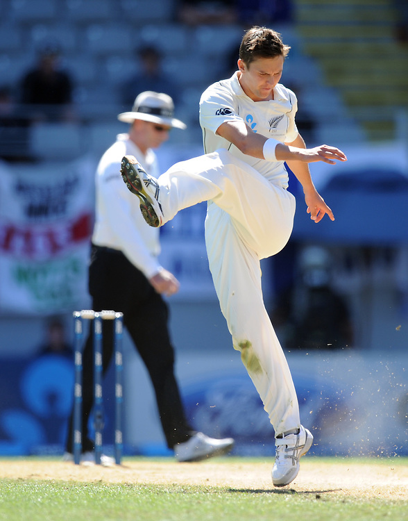 New Zealand's Trent Boult shows his frustration after having a catch dropped off his bowling against England on the fifth day of the 3rd international cricket test, Eden Park, Auckland, New Zealand, Tuesday, March 26, 2013. Credit:SNPA / Ross Setford