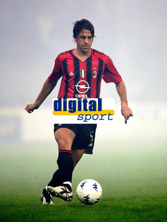 GENOVA, 30/10/2004<br /> <br /> CAMPIONATO DI CALCIO SERIE A 2004/2005<br /> <br /> INCONTRO SAMPDORIA- AC MILAN 0-1<br /> <br /> ALESSANDRO COSTACURTA Milan<br /> <br /> FOTO GRAFFITI