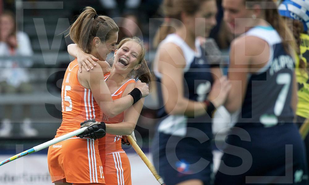 ROTTERDAM - Hock World League Semi Final Women<br /> Netherlands v Chile<br /> foto: Sabine Mol and Kelly Jonker celebrate.<br /> FFU PRESS AGENCY COPYRIGHT FRANK UIJLENBROEK