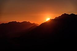 THEMENBILD - Sonnenuntergang rund um das Kaisergebirge, aufgenommen am 27. Mai 2017, Kitzbüheler Horn, Österreich // Sunset around the Kaisergebirge at Kitzbüheler Horn, Austria on 2017/05/27. EXPA Pictures © 2017, PhotoCredit: EXPA/ Stefan Adelsberger