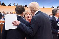 07 JUL 2017, HAMBURG/GERMANY:<br /> Emmanuel Macron (L), Praesident Frankreich, Angela Merkel (M), CDU, Bundeskanzlerin, und Donald Trump (R), Praesident Vereinigte Staatsn von America, USA, im Gesprech, vor Beginn der 1. Arbeitssitzung, G20 Gipfel, Messe<br /> IMAGE: 20170707-01-030<br /> KEYWORDS: G20 Summit, Deutschland, Gespr&auml;ch
