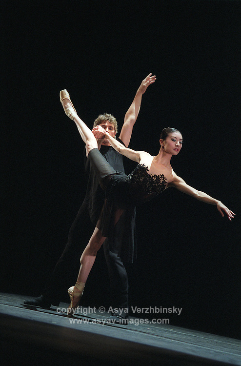 "San Francisco Ballet's Yuan Yuan Tan and Yuri Possokhov in Helgi Thomasson's ""7 for Eight"""