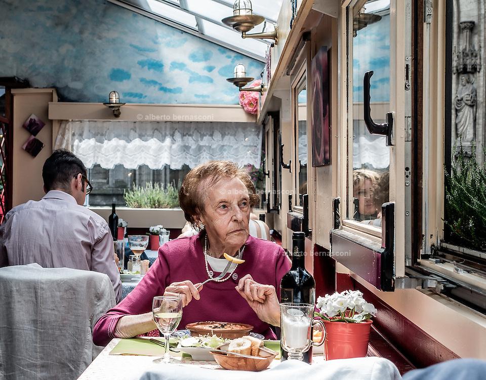 Belgium , Antwerp, sunday lunch in a restaurant