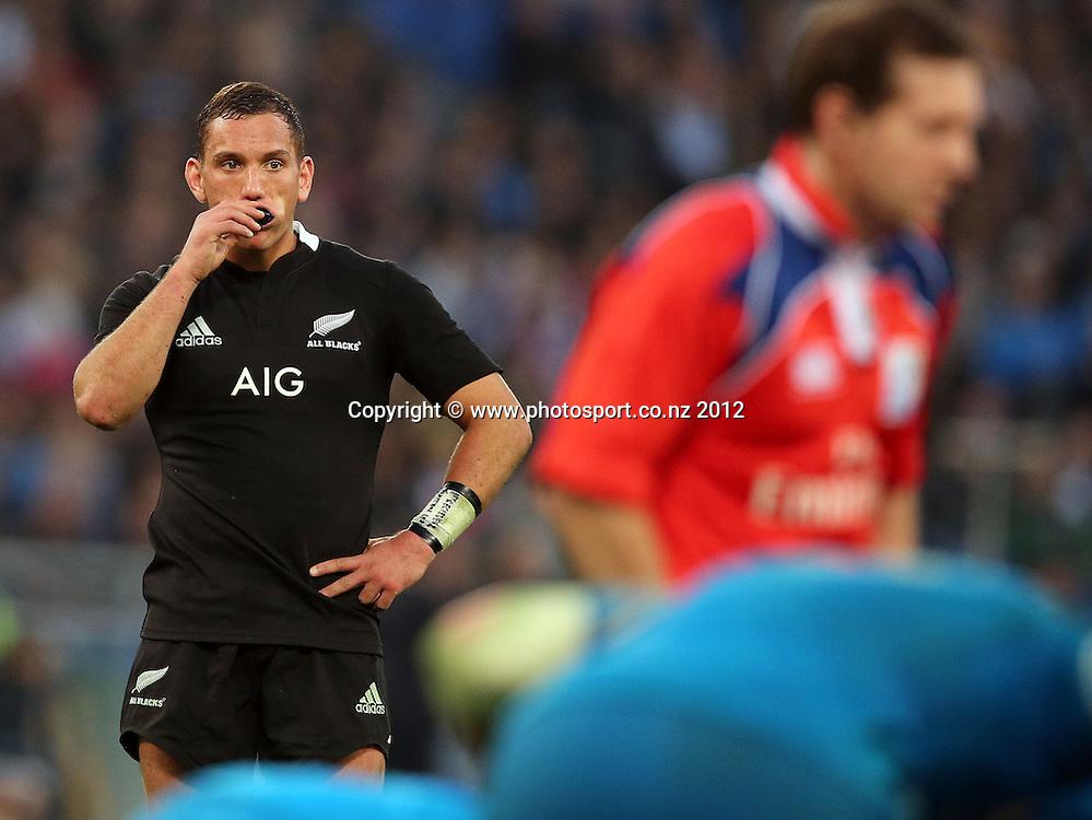 2012 Air New Zealand European Tour 17/11/2012<br /> Italy vs New Zealand<br /> New Zealand's Aaron Cruden<br /> Mandatory Credit &copy;INPHO/Dan Sheridan