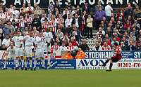 Photo: Kevin Poolman.<br />AFC Bournemouth v Brentford. Coca Cola League 1. 06/05/2006. Bournemouth's Steven Foley scores from a free kick to make it 1-1.
