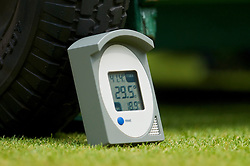 LONDON, ENGLAND - Friday, June 26, 2009: The thermometer on centre court records a temperature of 29.5 degrees Celsius after reaching a high of 41.4 Celsius during the Gentlemen's Singles 3rd Round match on day five of the Wimbledon Lawn Tennis Championships at the All England Lawn Tennis and Croquet Club. (Pic by David Rawcliffe/Propaganda)