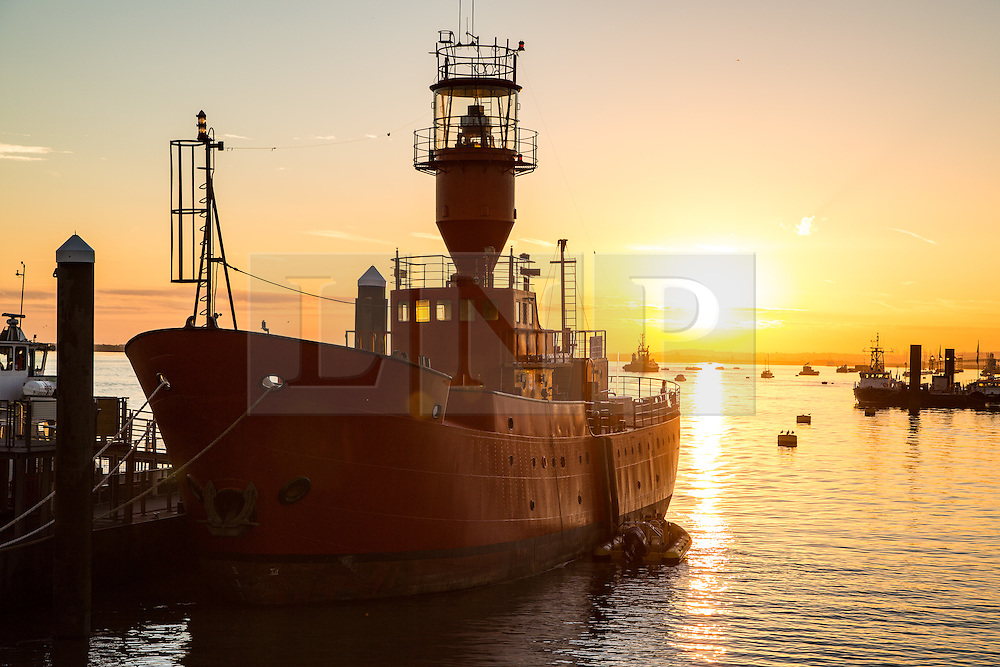 © Licensed to London News Pictures. 12/09/2016. An historic light vessel called LV21 pictured at sunrise at Gravesend. LV21 is in Gravesend for the forthcoming Estuary Festival. Gravesend recorded the hottest temperature of anywhere in the country in August. The south east is expected to have days of warm, sunny weather. Credit : Rob Powell/LNP