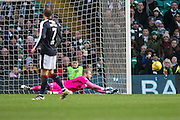 Dundee keeper Scott Bain pushes away a shot - Celtic v Dundee in the Ladbrokes Scottish Premiership at Celtic Park, Glasgow. Photo: David Young<br /> <br />  - © David Young - www.davidyoungphoto.co.uk - email: davidyoungphoto@gmail.com