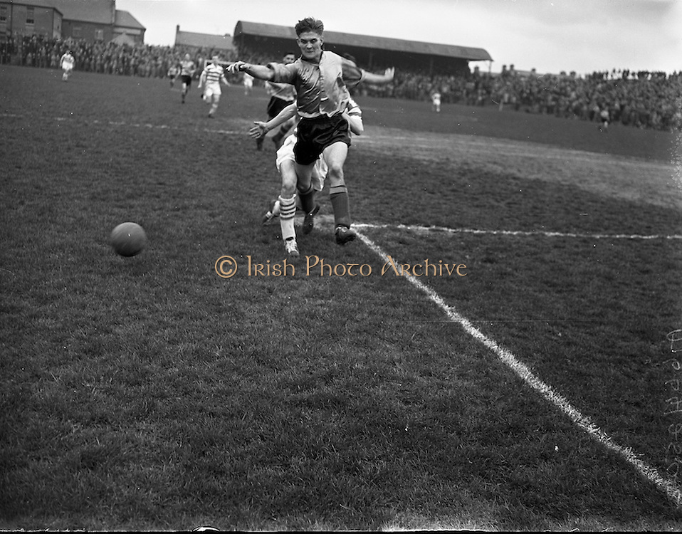 27/04/1958<br /> 04/27/1958<br /> 27 April 1958<br /> Soccer: Evergreen United v Shamrock Rovers at Dalymount Park, Dublin.