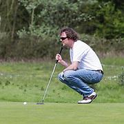 NLD/Zandvoort/20120521 - Donmasters 2012 golftoernooi, Frits Sissing aan het golfen