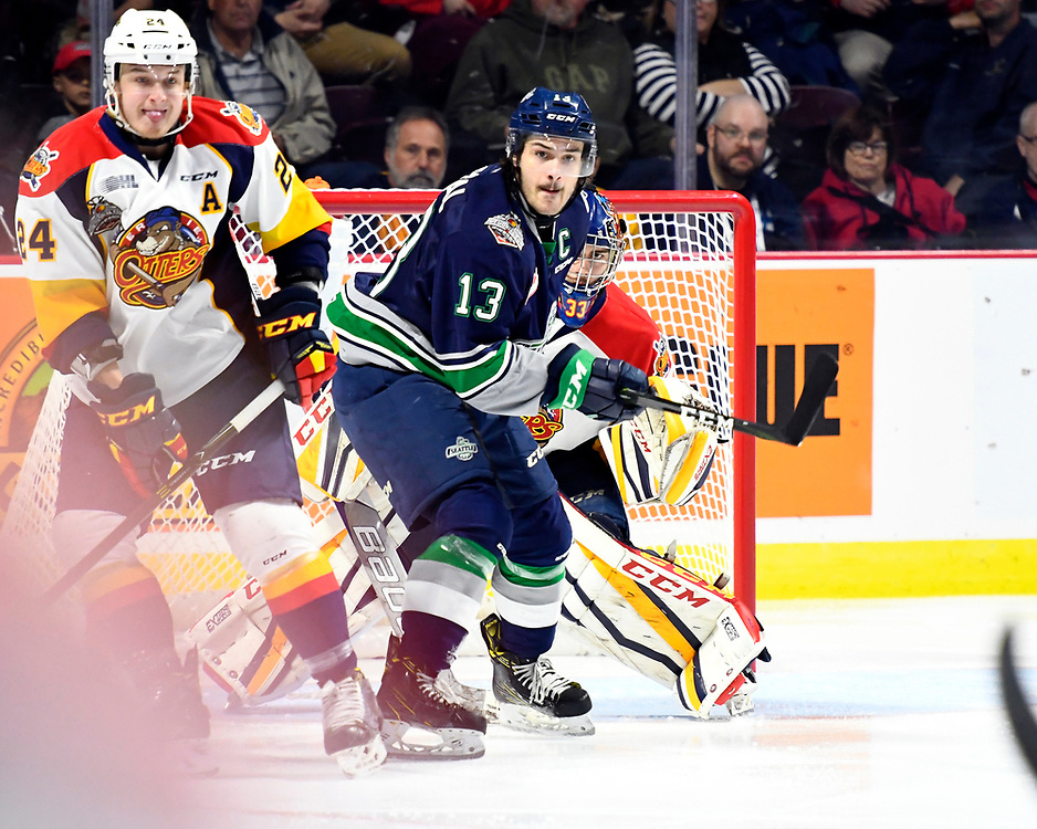 Action from Game 2 at the 2017 MasterCard Memorial Cup between the Erie Otters and Seattle Thunderbirds on Saturday May 20, 2017 at the WFCU Centre in Windsor, ON. Photo by Aaron Bell/CHL Images