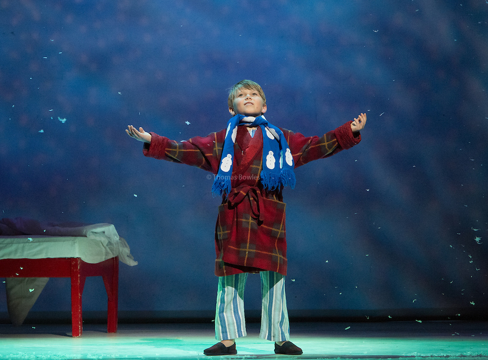London,  UK, 26th November  2014, Dress Rehearsal of The Snowman at the Peacock Theatre.  Archie Durrent as The Boy.<br />  &copy; Thomas Bowles