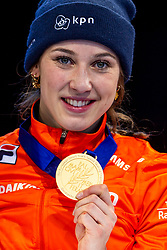13-01-2019 NED: ISU European Short Track Championships 2019 day 3, Dordrecht<br /> Suzanne Schulting of Netherlands pose in the Ladies overall classification medal ceremony during the ISU European Short Track Speed Skating Championships