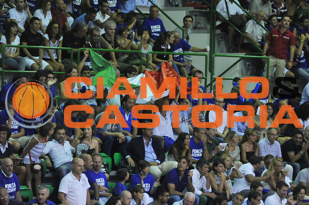 DESCRIZIONE : Sassarii Qualificazioni Europei 2013 Italia Turchia<br /> GIOCATORE : supporter italia<br /> CATEGORIA : supporters<br /> EVENTO : Qualificazioni Europei 2013<br /> GARA : Italia Turchia<br /> DATA : 21/08/2012 <br /> SPORT : Pallacanestro <br /> AUTORE : Agenzia Ciamillo-Castoria/M.Gregolin<br /> Galleria : Fip Nazionali 2012 <br /> Fotonotizia : Sassari Qualificazioni Europei 2013 Italia Turchia<br /> Predefinita :