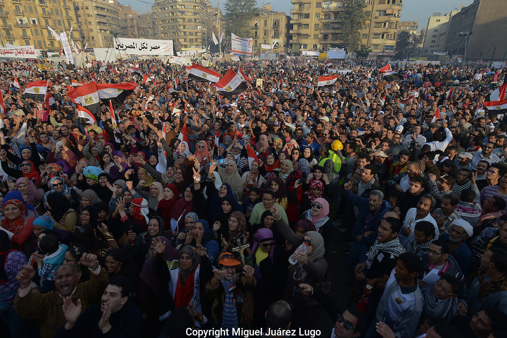 Cairo, Egypt Nov 30, 2012- Tens of thousands of protesters gather in Cairo's Tahrir Square to voice their opposition to a decree by President Mohamed Morsi granting himself broad powers that shield his decisions from judicial review. (Photo by Miguel Juárez Lugo)