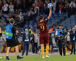 October 2, 2018 - Rome, Italy - Edin Dzeko takes away the official ball after the hat trick after  the UEFA Champions League match group G between AS Roma and Viktoria Plzen at the Olympic stadium on october 02, 2018 in Rome, Italy. (Credit Image: © Silvia Lore/NurPhoto/ZUMA Press)