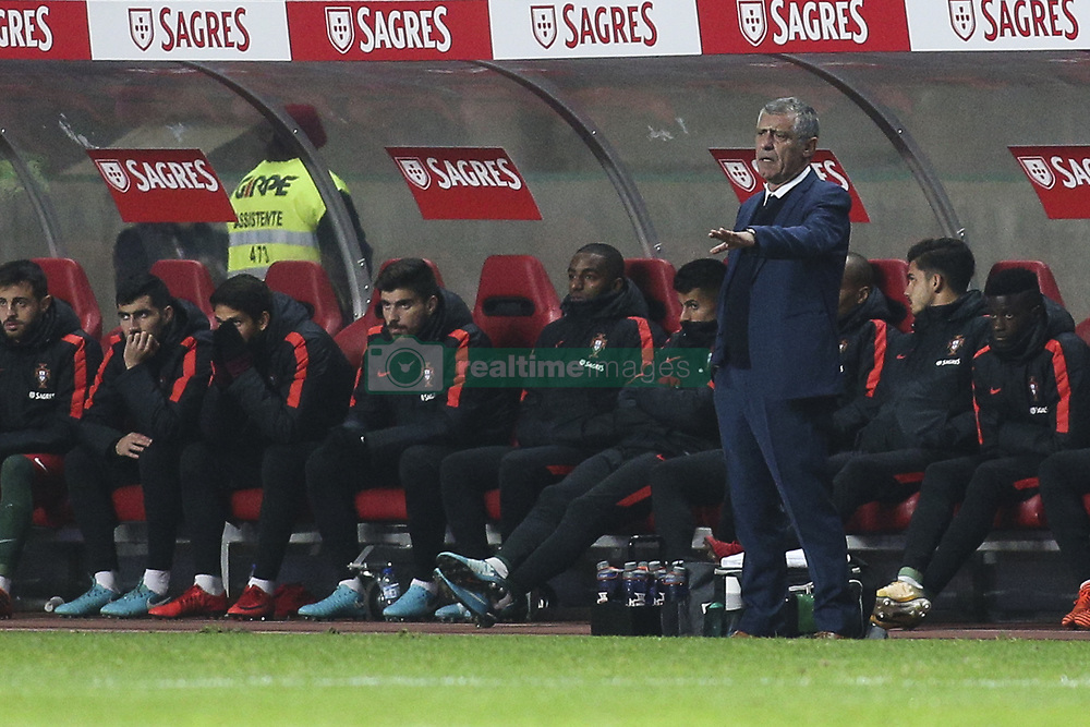 November 14, 2017 - Leiria, Portugal - Fernando Santos gestures from the sideline during the Friendly match  football match between Portugal and USA at Municipal de Leiria Stadium in Leiria on November 14, 2017. (Credit Image: © Carlos Costa/NurPhoto via ZUMA Press)