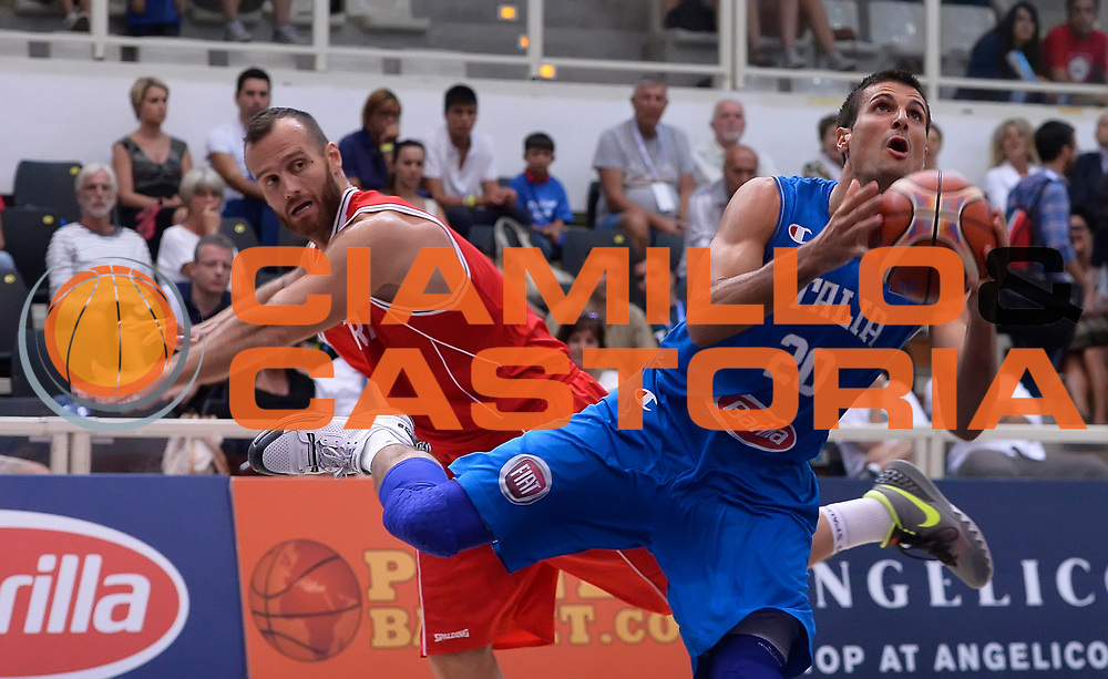 DESCRIZIONE : Trento Nazionale Italia Uomini Trentino Basket Cup Italia Austria Italy Austria <br /> GIOCATORE : Andrea Cinciarini<br /> CATEGORIA : tiro penetrazione<br /> SQUADRA : Italia Italy<br /> EVENTO : Trentino Basket Cup<br /> GARA : Italia Austria Italy Austria<br /> DATA : 31/07/2015<br /> SPORT : Pallacanestro<br /> AUTORE : Agenzia Ciamillo-Castoria/R.Morgano<br /> Galleria : FIP Nazionali 2015<br /> Fotonotizia : Trento Nazionale Italia Uomini Trentino Basket Cup Italia Austria Italy Austria