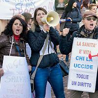 Manifestazione  lavoratori della sanità privata contro i licenziamenti