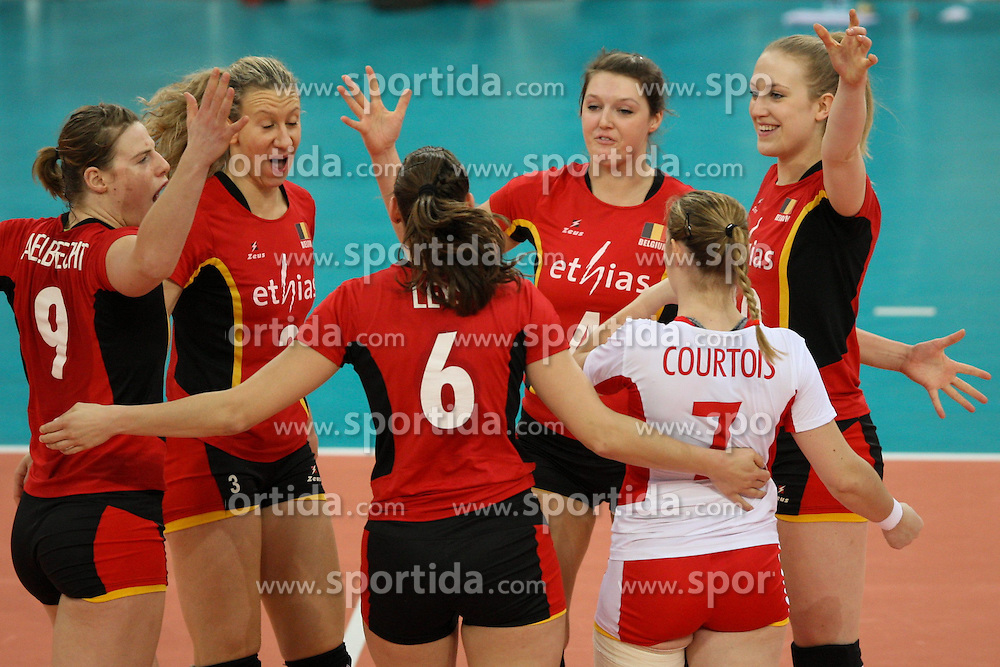 04.01.2014, Atlas Arena, Lotz, POL, FIVB, Damen WM Qualifikation, Belgien vs Schweiz, im Bild Radosc zawodniczek Belgii // Radosc zawodniczek Belgii during the ladies FIVB World Championship qualifying match between Belgium and Switzerland at the Atlas Arena in Lotz, Poland on 2014/01/05. EXPA Pictures &copy; 2014, PhotoCredit: EXPA/ Newspix/ Tomasz Jastrzebowski<br /> <br /> *****ATTENTION - for AUT, SLO, CRO, SRB, BIH, MAZ, TUR, SUI, SWE only*****