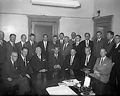 1961 - Irish Flour Milling Association, U.S. Grain Trade team visits the I.F.M.A. 1961. B950.