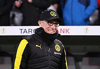 Fussball  DFB Pokal  Achtelfinale  2017/2018   FC Bayern Muenchen - Borussia Dortmund        20.12.2017 Trainer Peter Stoeger (Borussia Dortmund) lacht