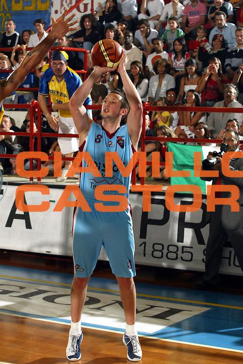 DESCRIZIONE : Porto San Giorgio Lega A2 2005-06 Play Off Finale Gara 4 Premiata Montegranaro Noi Sport Monte Terminillo Rieti <br />GIOCATORE : Rosselli<br />SQUADRA : Noi Sport Monte Terminillo Rieti <br />EVENTO : Campionato Lega A2 2005-2006 Play Off Finale Gara 4 <br />GARA : Premiata Montegranaro Noi Sport Monte Terminillo Rieti <br />DATA : 04/06/2006 <br />CATEGORIA : Tiro<br />SPORT : Pallacanestro <br />AUTORE : Agenzia Ciamillo-Castoria/M.Marchi