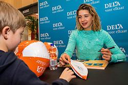 07-01-2018 NED: DELA Beach Open day 5, Den Haag<br /> Jeugd kinderen vermaken zich prima in het Dela Beach House. Joy Stubbe NED #1