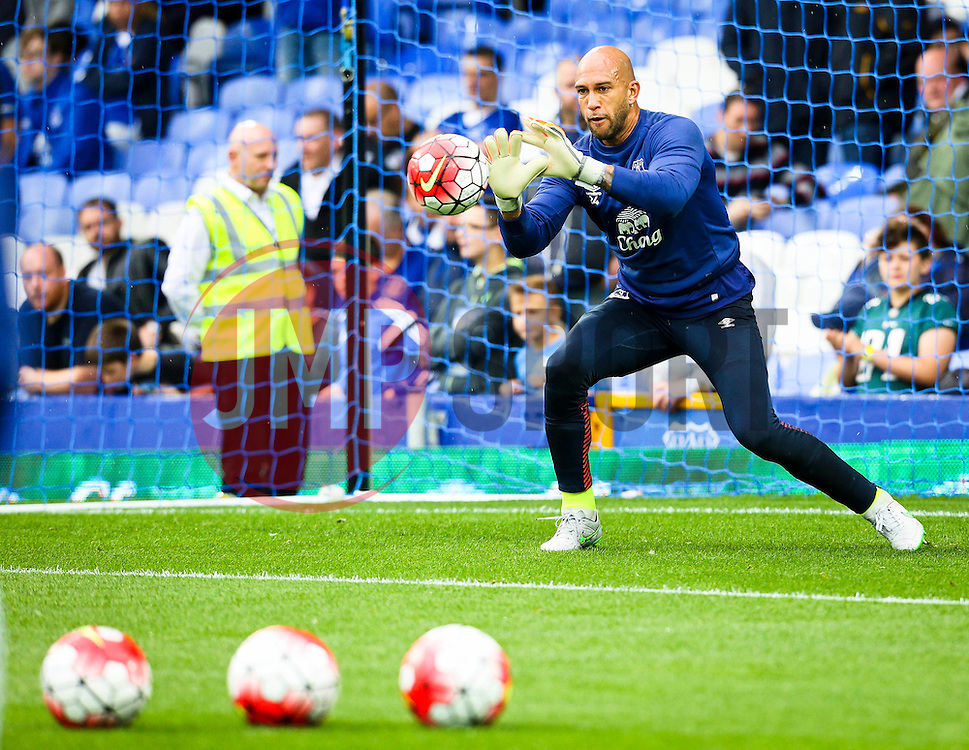 Everton's Tim Howard warms up - Mandatory byline: Matt McNulty/JMP - 07966386802 - 23/08/2015 - FOOTBALL - Goodison Park -Everton,England - Everton v Manchester City - Barclays Premier League