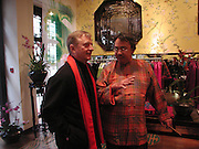 John Aexel and David Tang. Shanghai Tang opening. Sloane St. 11 April 2001. © Copyright Photograph by Dafydd Jones 66 Stockwell Park Rd. London SW9 0DA Tel 020 7733 0108 www.dafjones.com