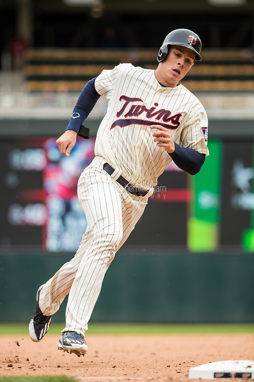 MINNEAPOLIS, MN- APRIL 5: Max Kepler #26 of the Minnesota Twins runs against the Kansas City Royals on April 5, 2017 at Target Field in Minneapolis, Minnesota. The Twins defeated the Royals 9-1. (Photo by Brace Hemmelgarn) *** Local Caption *** Max Kepler