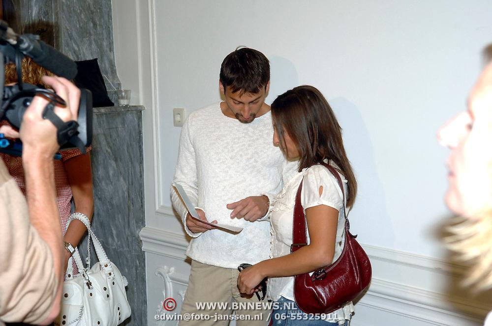NLD/Amsterdam/20060907 - Presentatie Tom Hairwellness van Tom Sebastian, Sabine Koning en partner Sergio