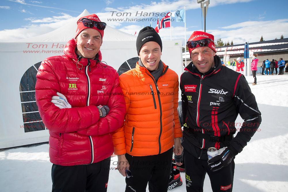 OSLO, 20160319: Tradisjonsrike Birkebeinerrennet med målgang i Lillehammer. Jørgen Aukland, Fredrik Aukland og Anders Aukland. FOTO: TOM HANSEN