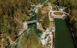 THEMENBILD - der Traunfall mit dem Fluss, aufgenommen am 24. April 2019 in Steyrermühl, Oesterreich // the Traunfall with the river in  Steyrermuehl, Austria on 2019/04/24. EXPA Pictures © 2019, PhotoCredit: EXPA/ JFK