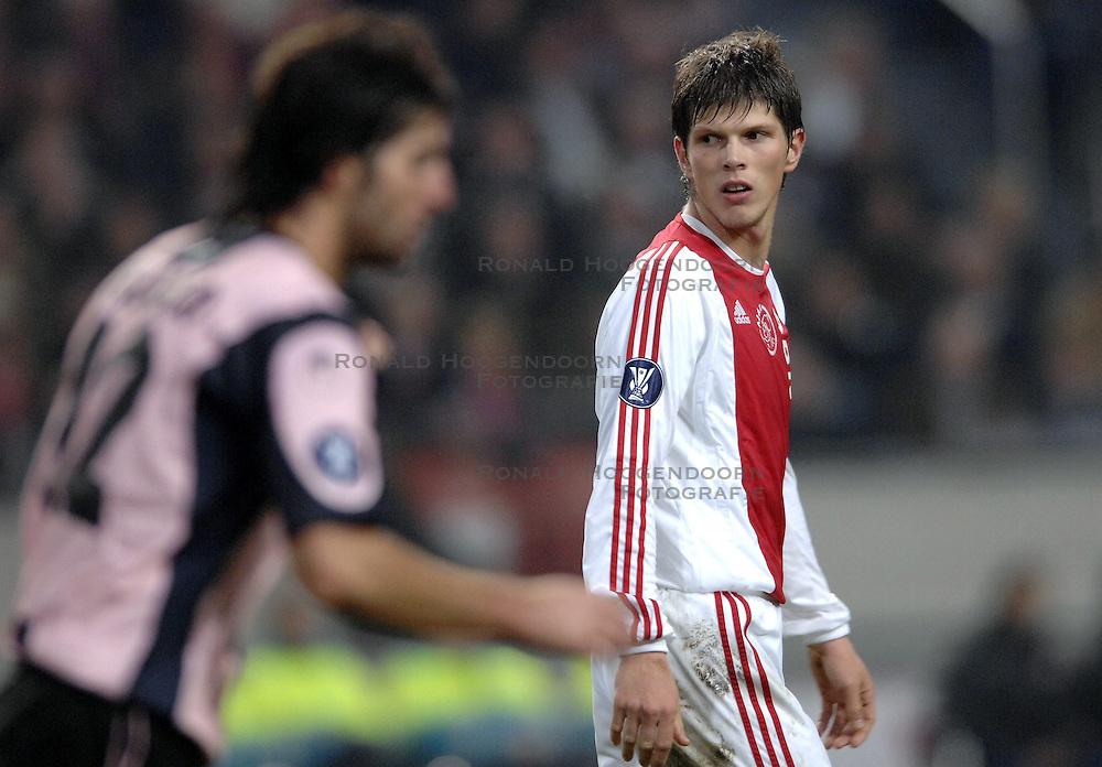 30-11-2006 VOETBAL: AJAX - ESPANYOL: AMSTERDAM<br /> Ajax verliest kansloos van Espanyol met 0-2 / Klaas Jan Huntelaar<br /> &copy;2006-WWW.FOTOHOOGENDOORN.NL