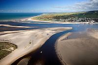 Aerial view of Dovey (Dyfi) Estuary &amp; Aberdovey (Aberdyfi)<br /> Gwynedd<br /> Mid Wales<br /> Coastal Scenery<br /> Aerial view of Dovey (Dyfi) Estuary &amp; Aberdovey (Aberdyfi)<br /> Gwynedd<br /> Mid Wales<br /> Coastal Scenery