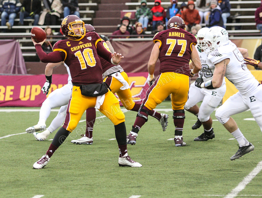 With a second half surge in the final game at Kelly/Shorts Stadium for the 2015 season, Central Michigan beat the Eastern Michigan Eagles 35-28 to improve to 7-5, (6-2 MAC) overall. Photo by Andrew Jessmore/Central Michigan University