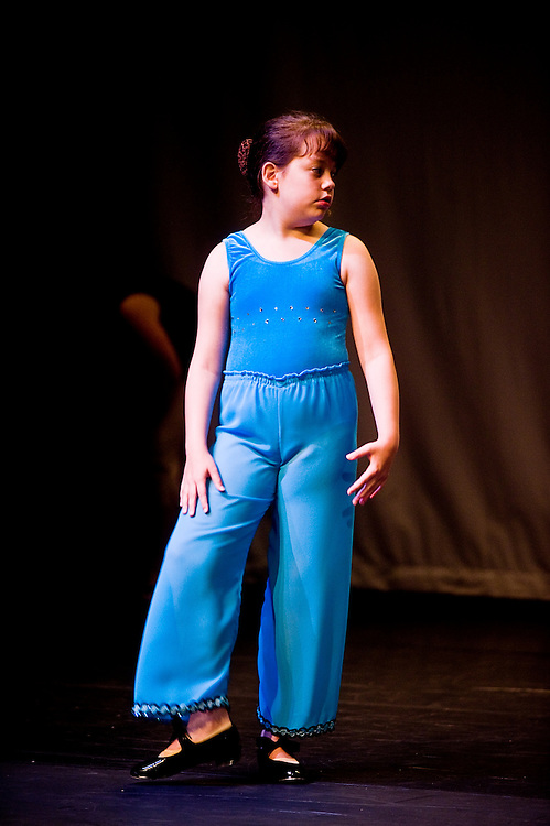 Saturday, June 13, 2009..Experimental Movement Concept's Spring Concert dress rehearsal at Community College Baltimore County in Catonsville..DF 2.VALERIE MCCAULEY