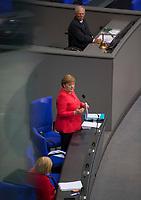 DEU, Deutschland, Germany, Berlin, 01.07.2020: Bundeskanzlerin Dr. Angela Merkel (CDU) stellt sich den Fragen der Abgeordneten in der heutigen Regierungsbefragung im Deutschen Bundestag. Im Hintergrund Bundestagspräsident Wofgang Schäuble (CDU).