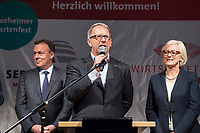 25 SEP 2017, BERLIN/GERMANY:<br /> Thomas Oppermann, MdB, SPD, scheidender Fraktionsvorsitzender, Johannes Kahrs, MdB, SPD, Sprecher Seeheimer Kreis, Dagmar Ziegler, MdB, SPD, Sprecherin Seeheimer Kreis, Gartenfest des Seeheimer Kreises der SPD, Garten der Deutsche Parlamentarischen Gesellschaft<br /> IMAGE: 20170925-01-100<br /> KEYWORDS: Sommerfest