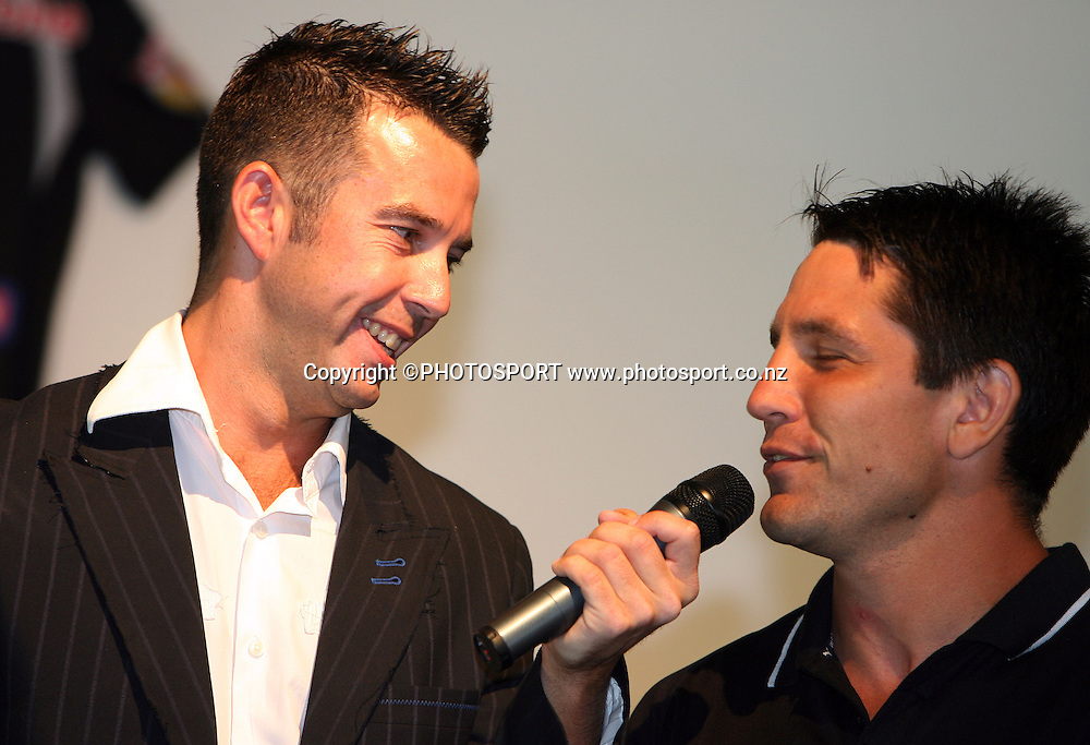 TV presenter and MC Tony Veitch talks with Warriors captain Steve Price during the Vodafone Warriors Captains lunch held at Ericsson Stadium, Auckland, on Tuesday 7 March, 2006. Photo: Renee McKay/PHOTOSPORT