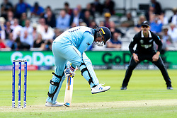 Jason Roy of England tries to dig out a Trent Boult of New Zealand yorker - Mandatory by-line: Robbie Stephenson/JMP - 14/07/2019 - CRICKET - Lords - London, England - England v New Zealand - ICC Cricket World Cup 2019 - Final