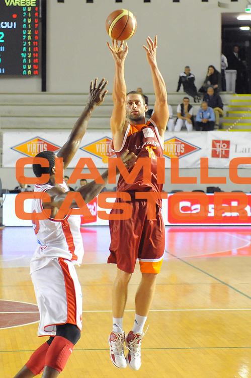DESCRIZIONE : Roma Lega A 2011-12 Virtus Roma Cimberio Varese<br /> GIOCATORE : Vladimir Dasic<br /> CATEGORIA : tiro three points<br /> SQUADRA : Virtus Roma<br /> EVENTO : Campionato Lega A 2011-2012<br /> GARA : Virtus Roma Cimberio Varese<br /> DATA : 30/10/2011<br /> SPORT : Pallacanestro<br /> AUTORE : Agenzia Ciamillo-Castoria/GabrieleCiamillo<br /> Galleria : Lega Basket A 2011-2012<br /> Fotonotizia : Roma Lega A 2011-12 Virtus Roma Cimberio Varese<br /> Predefinita :